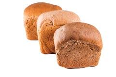 Различные ломти хлеба на белой предпосылке, изоляте, конце-вверх, хлебопекарне стоковые изображения