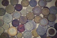 Различные монетки различных стран Стоковые Изображения RF