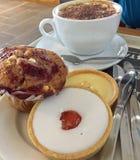 Различные печенья и cofee Стоковые Фото