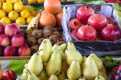 Различные плодоовощи на испанском счетчике рынка Стоковые Фотографии RF