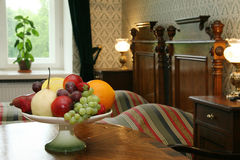 различные плодоовощи тарелки стоковые изображения rf