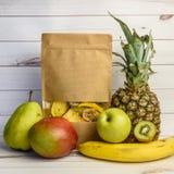 Различные свежие и сухие плодоовощи Стоковые Фотографии RF