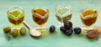 Различные типы постного масла - сезама, оливки, льняного семени Стоковое Фото