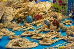 Различные handmade плетеные продукты для продажи на рынке сувенира Стоковое Изображение