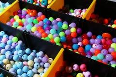 Различный вид красочных шариков закрывает вверх стоковое изображение