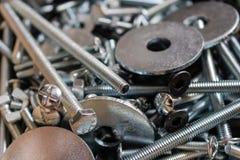 Различный металл пригвождает предпосылку - изображение стоковые фотографии rf