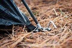 Размещение колышек и обруч †шатра « стоковое фото rf