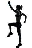 разминка женщины веса тренировки позиции пригодности Стоковые Фотографии RF