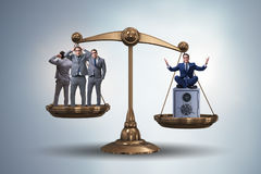 Разница между богачами и концепцией бедных человеков Стоковое Изображение RF