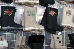Разнообразие ботинки войлока для продажи Стоковая Фотография RF