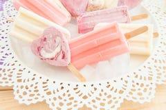 Разнообразие замороженных popsicles Стоковые Изображения RF