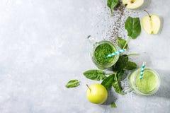 Разнообразие зеленого smoothie стоковая фотография