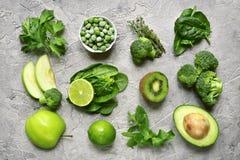 Разнообразие зеленых фруктов и овощей Взгляд сверху Стоковые Изображения