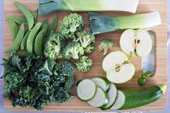 Разнообразие зеленых овощей и плодоовощей Стоковая Фотография RF