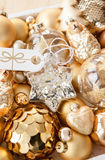 Разнообразие золотых орнаментов рождества Стоковое Изображение RF