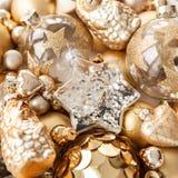 Разнообразие золотых орнаментов рождества Стоковая Фотография