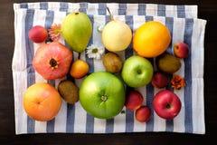 Разнообразие здоровых плодоовощей Стоковые Изображения