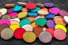 Разнообразие круглых профессиональных теней для век стоковое фото rf