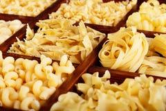 Разнообразие макаронных изделия стоковое изображение