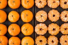 Разнообразие малых tangerines или Клементинов Стоковая Фотография