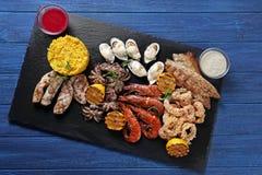 Разнообразие морепродуктов с рисом стоковое фото