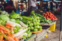 Разнообразие овощей в въетнамском рынке стоковая фотография