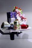 Разнообразие покрашенных коробок и случаев подарков рождества для настоящих моментов Стоковые Фото