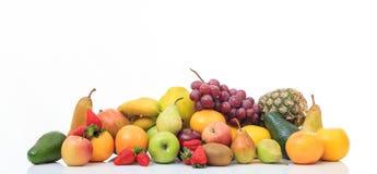 Разнообразие плодоовощей на белой предпосылке стоковое фото