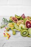 разнообразие плодоовощи и измеряя лента стоковые изображения rf