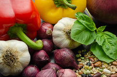 Разнообразие vegetable и сухих фасолей Стоковые Фотографии RF