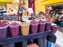 Разнообразия Ifferent фасолей на рынке Areqipa Перу Стоковые Изображения RF