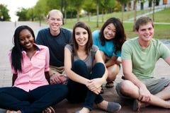 Разнообразная группа в составе друзья Стоковое Изображение RF