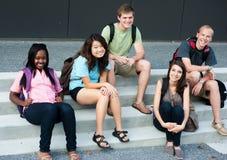 Разнообразная группа в составе друзья Стоковое фото RF