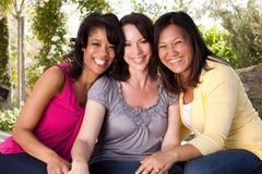 Разнообразная группа в составе друзья Стоковые Фото