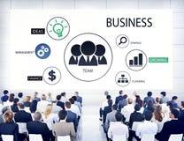 Разнообразные бизнесмены в семинаре о команде Стоковые Изображения