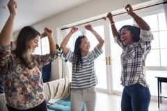 Разнообразные женщины танцуя совместно крытое Стоковое Фото