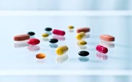 разнообразные таблетки Стоковые Фотографии RF