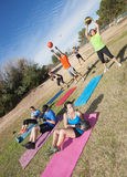 Разнообразный класс фитнеса лагеря ботинка Стоковое Изображение RF