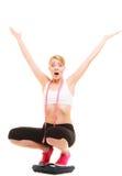 Разочарованная женщина на веся масштабе slimming Стоковая Фотография RF