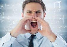 Разочарованный бизнесмен против расплывчатых голубых деревянных графиков панели и математики Стоковые Фото