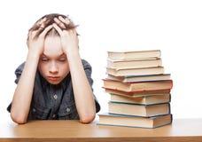 Разочарованный ребенок с затруднениями в учебе Стоковая Фотография RF