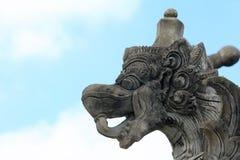 Разработанная голова дракона в парке Стоковые Фото