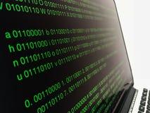 Разработка программного обеспечения бинарного кода Запись программируя кода на компьтер-книжке стоковая фотография rf