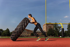 Разработка фитнеса брюнет модельная стоковая фотография rf