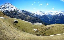 разрешение панорамы высоких гор alps стоковая фотография rf