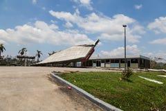 Разрушение бензозаправочной колонки в ба города Фиджи Стоковые Изображения RF