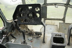 Разрушенная кабина вертолета стоковые изображения rf