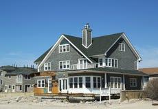 Разрушенное свойство пляжа для продажи в опустошенной области через 6 месяцев после урагана Sandy стоковое фото