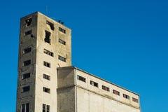 Разрушенные и получившиеся отказ фабрики communistic эры стоковое изображение rf