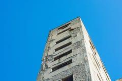 Разрушенные и получившиеся отказ фабрики communistic эры стоковые изображения